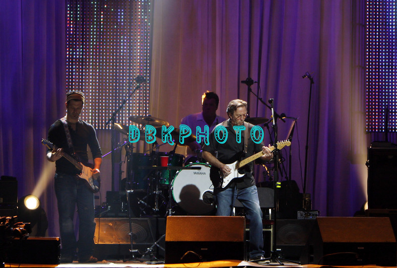 ATLANTIC CITY, NJ -MAY 25  Eric Clapton and the band performs in concert in The Event Center at The Borgata Hotel, Casino & Spa on May 25, 2008 in Atlantic City, New Jersey. (Photo by Donald Kravitz/Getty Images)