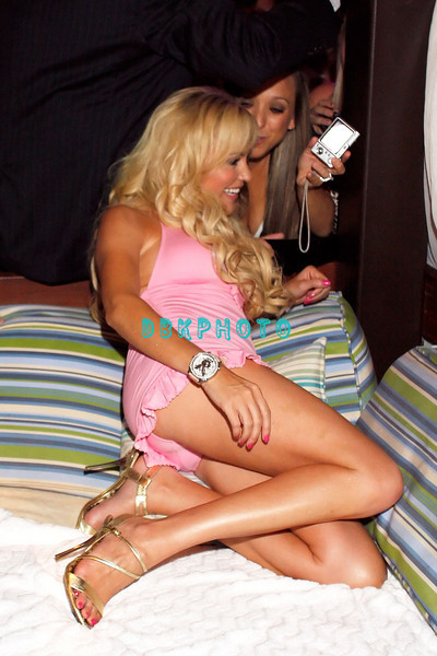 ATLANTIC CITY, NJ - AUGUST 30:  Bridget Marquart talks to a fan as she visits The Pool at Harrah's on August 30, 2008 in Atlantic City, New Jersey.