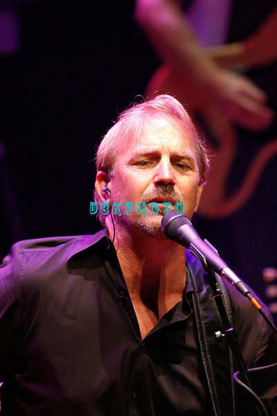 ATLANTIC CITY, NJ - AUGUST 01:  Actor, singer Kevin Costner and his band, Modern West performs at the House of Blues on August 1, 2008 in Atlantic City, New Jersey. =