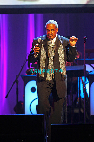 """ATLANTIC CITY - JUNE 07:  Russell Thompkins & The New Stylistics performs their big hit, """"Break Up To Make Up"""" at the """"Love Train: The Sound Of Philadelphia"""" concert on June 7, 2008 at the Borgata Hotel & Casino in Atlantic City, New Jersey."""