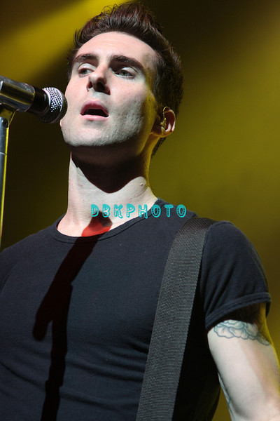 ATLANTIC CITY, NJ - AUGUST 08:  Adam Levine, lead singer of Maroon 5 performs at the Borgata on August 8, 2008 in Atlantic City, New Jersey.