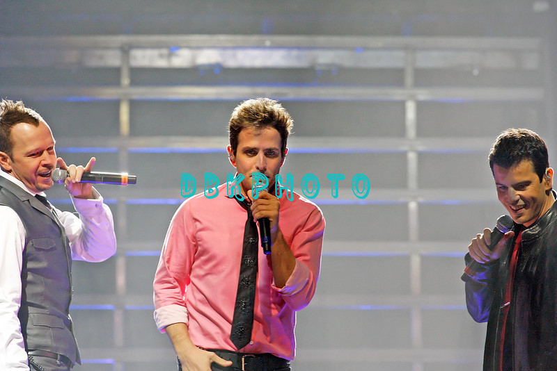 ATLANTIC CITY, NJ - SEPTEMBER 27:  Donnie Whalberg, Joey McIntyre and Jordan Knight  members of The New Kids On The Block performs at the Event Center at the Borgata on September 27, 2008 in Atlantic City, New Jersey.  (Photo by Donald Kravitz/Getty Images) *** Local Caption *** Donnie Whalberg; Joey McIntyre and Jordan Knight