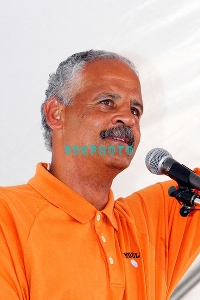 WHITESBORO, NJ - AUGUST 30:  Stedman Graham, Whitesboro native, noted author, educator and Oprah Winfrey's best beau takes his turn at the mike at the 20th Reunion Festival in Whitesboror, NJ where Oprah is the honored speaker.  (Photo by Donald Kravitz/Getty Images) *** Local Caption *** Stedman Graham