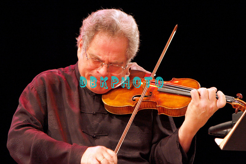 ATLANTIC CITY, NJ - NOVEMBER 28:  Itzhak Perlman shows his deep emotion and immense talent as he performs at Resorts Casino Hotel on November 28, 2009 in Atlantic City, New Jersey.