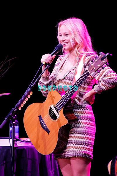ATLANTIC CITY, NJ - FEBRUARY 07:  Jewel performs in The Music Box at the Borgata Hotel Casino & Spa on February 7, 2009 in Atlantic City, New Jersey.