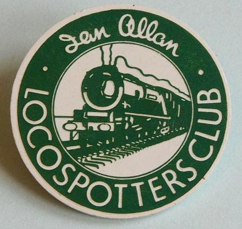 Plastic Locospotters Club badge, pin fastener,, SR dark green.