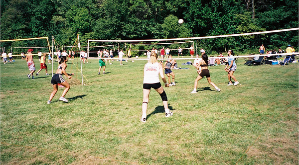 2002-9-21 Spikevolleyball LUAU 00002
