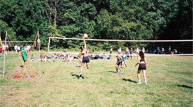 2002-9-21  Spikevolleyball LUAU 00005