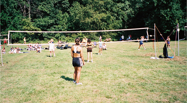2002-9-21 Spikevolleyball LUAU 00001
