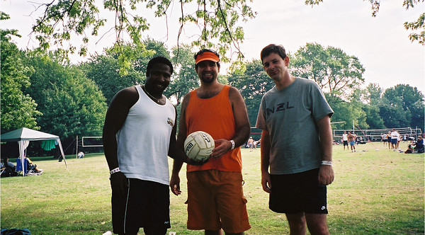 2002-9-21 Spikevolleyball LUAU 00013