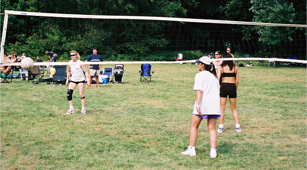 2002-9-21  Spikevolleyball LUAU 00017