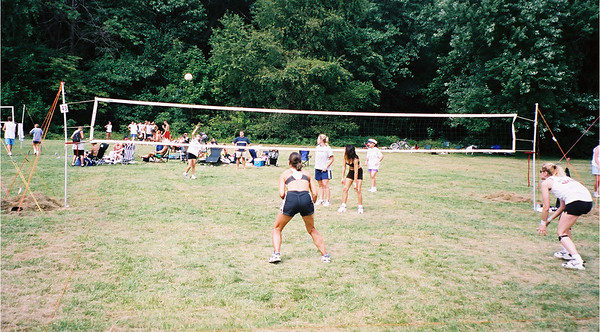 2002-9-21  Spikevolleyball LUAU 00014