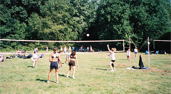 2002-9-21  Spikevolleyball LUAU 00006