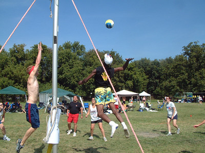 2004-9-18 Spike Volleyball LUAU 00016