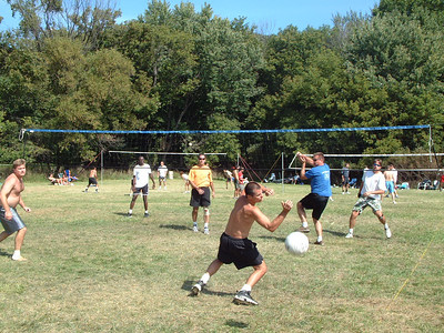 2004-9-18 Spike Volleyball LUAU 00039