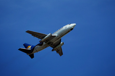 Canadian North 737-200 Combi with Gravel Kit