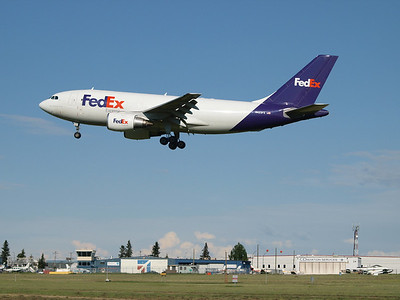 Fedex invatiably comes in very early in the morning, so to see her in daylight was quite a bonus.