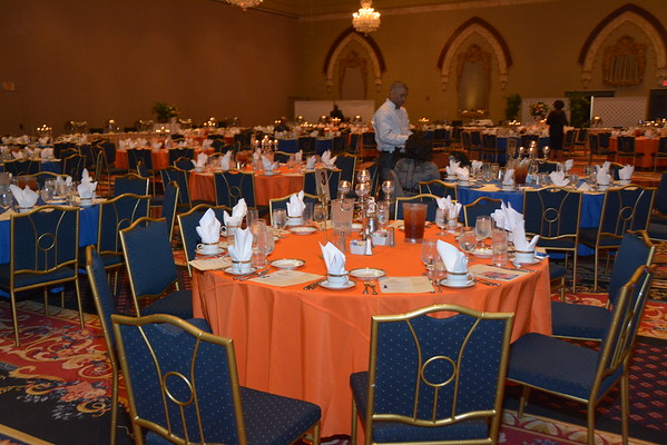 THEODORE ROOSEVELT HIGH SCHOOL ALUMNI ASSOCIATION PRESENTS THE SCHOLARSHIP GALA