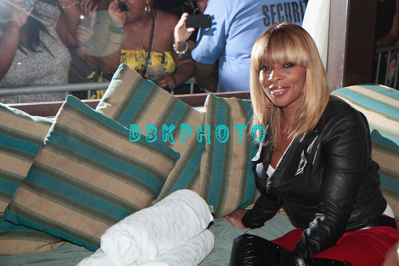 """ATLANTIC CITY, NJ - NOVEMBER 26:  Mary J. Blige attends Mary J Blige's """"My Life II... The Journey Continues Act 1"""" album release party at The Pool After Dark at Harrah's Resort on November 26, 2011 in Atlantic City, New Jersey."""