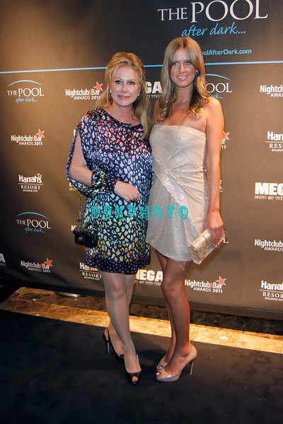 ATLANTIC CITY, NJ - JUNE 04: Nicky Hilton and mom Kathy visits The Pool at Harrah's Resort on June 4, 2011 in Atlantic City, New Jersey.