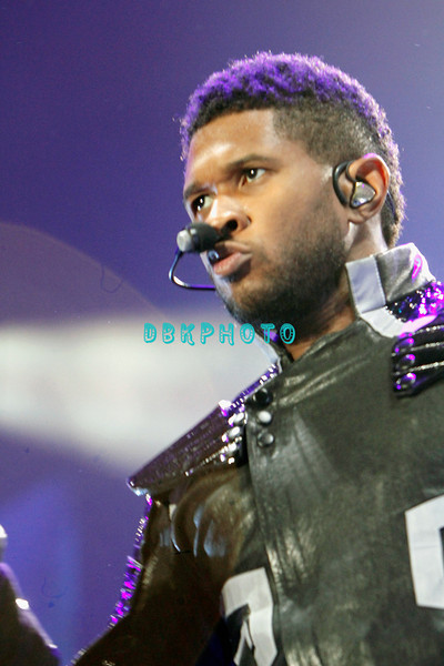 ATLANTIC CITY, NJ - MAY 06:  Usher performs at Boardwalk Hall Arena on May 6, 2011 in Atlantic City, New Jersey.  (Photo by Donald Kravitz/Getty Images)