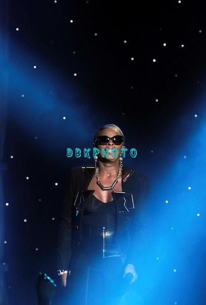 ATLANTIC CITY, NJ - JUNE 30:  Mary J. Blige performs on June 30, 2012 in Atlantic City, United States.