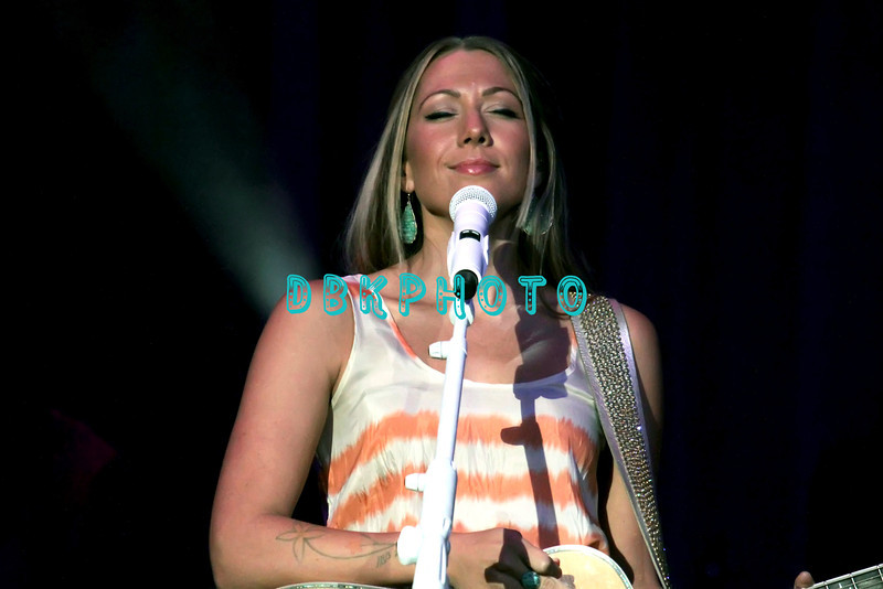 164341512DK012_Colbie_Caill
