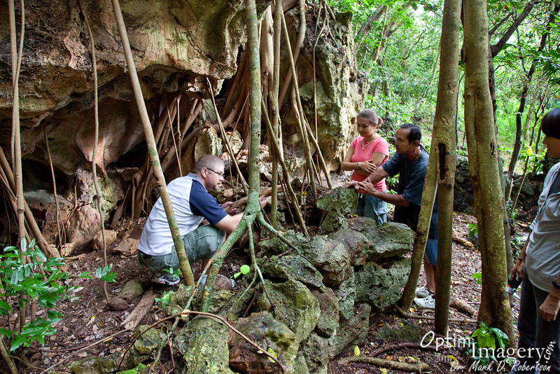 Just outside Kalabera Cave are little nooks and crannies, some of which were used as worshiping sites for the Japanese.