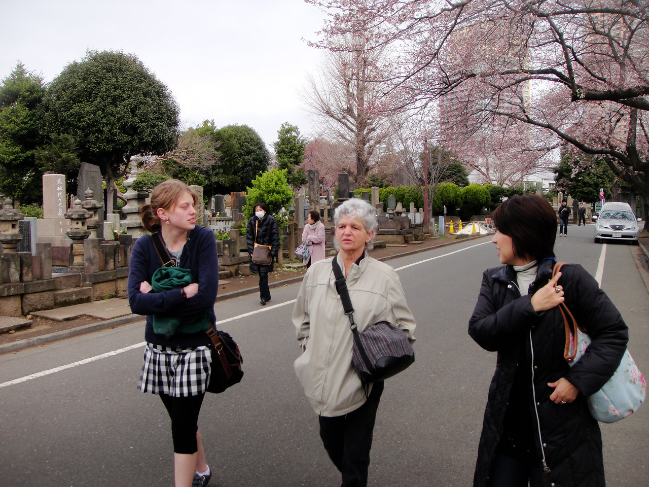 We had a wonderful guide our first day in Tokyo.  Tamayo Miyata is a 'Tokyo Free Guide'.  Mark and I enjoyed her so much a couple years ago we requested her again and were so very pleased that she accepted.