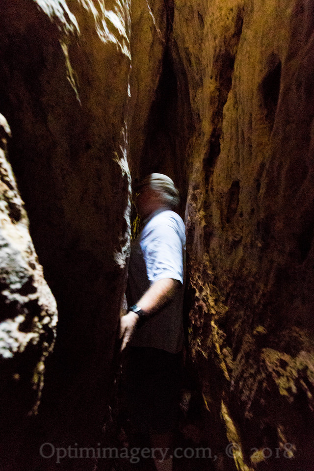 A bit blurred, but here you get a really good idea of how narrow some of this canyon is!