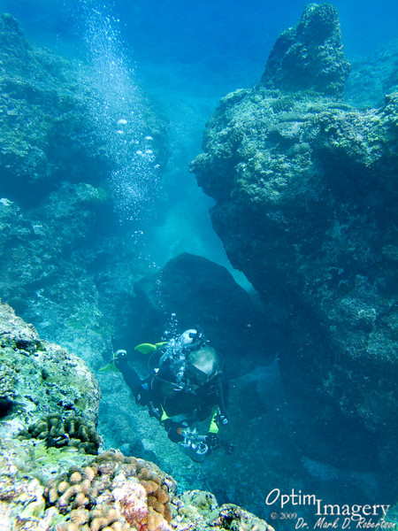 There are also MANY interesting, fairly shallow crevices near the Twin Sunroofs Cave.