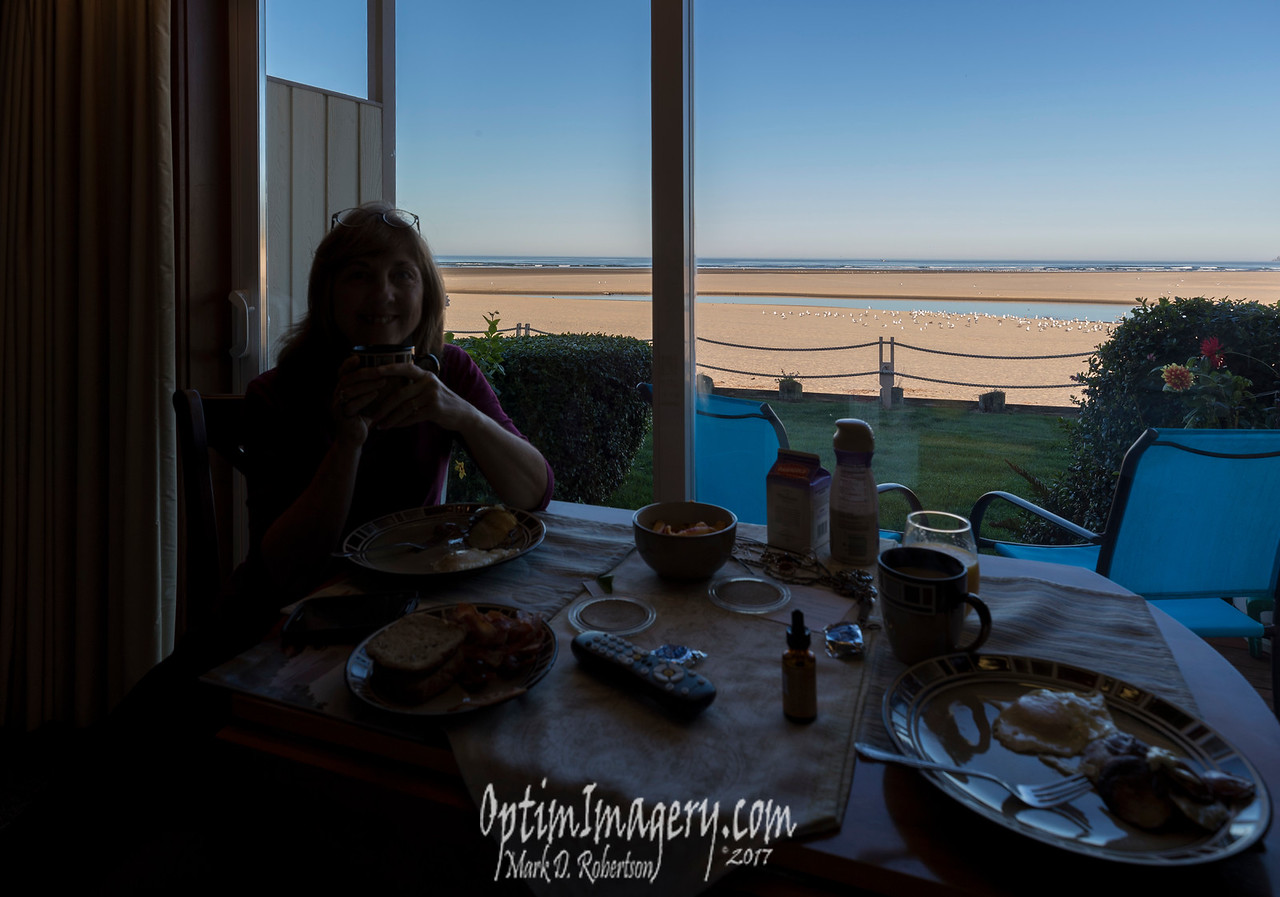 BREAKFAST IN OUR ROOM AT WEBB'S SCENIC SURF MOTEL, CANNON BEACH, OREGON