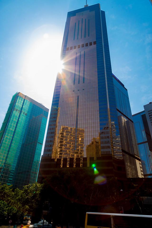 HONG KONG: THE VERTICAL METROPOLIS