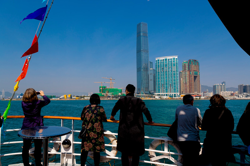 VICTORIA HARBOUR CRUISE: LOOKING NORTH, TOWARD KOWLOON