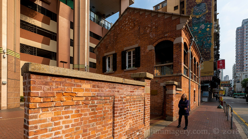 YEP: IT IS INDEED A RED BRICK BUILDING!