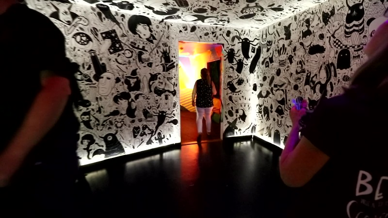 VIDEO 7: BLACK AND WHITE ROOM TO VERTICAL SCHOOL BUS