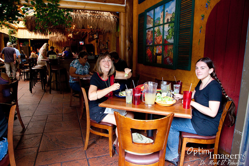 Last time we were in Jackson, Zac found this cool Mexican restaurant.  We enjoyed it so much that time that we looked forward to returning.  I highly recommend their fajitas.  I think Bev and Bri were actually a little disappointed this time, but they did not get fajitas.