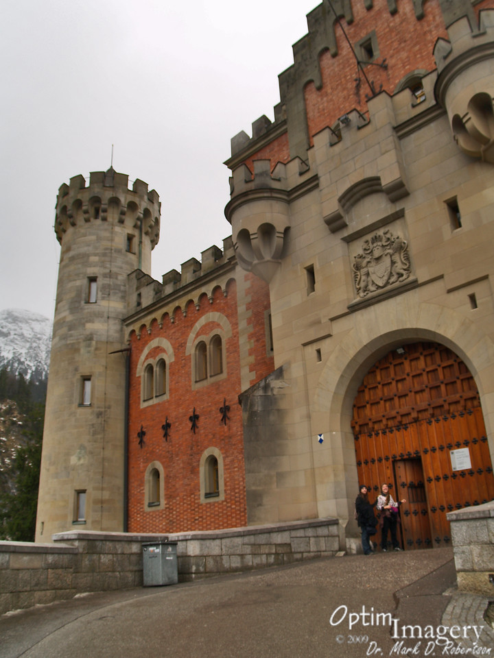 Finally: after walking up the hill, we are at the entrance to Neuschwanstein