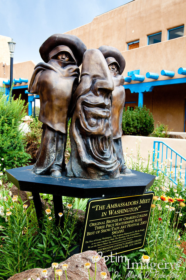 Interesting sculpture on the Taos Square.  As you can see, Mr. Washington's face is made up of men, with their faces looking through his eyes......