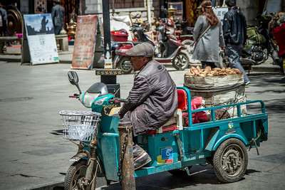 052 Lhasa yam seller © Bickerstaff