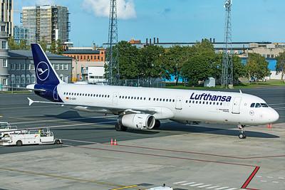Lufthansa Airbus A321-131 D-AIRY 8-20-19 2