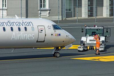 SAS Scandinavian Airlines Bombardier CL-600-2D24 CRJ-900LR EI-FPF 8-20-19 2