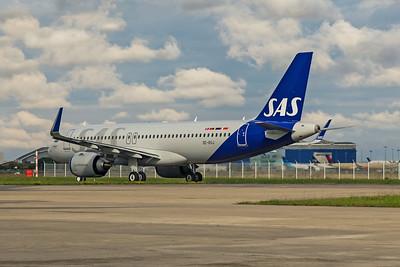 SAS Scandinavian Airlines Airbus A320-251N SE-ROJ 11-15-19