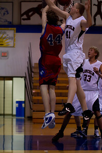 20110210_Basketball_B_LincolnHI_012