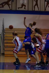 20110210_Girls_Basketball_A_LincolnHI_010
