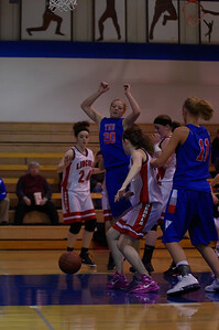 20110210_Girls_Basketball_A_LincolnHI_087