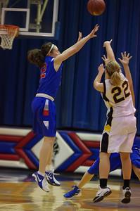 20120124_Girls_Basketball_B_DawsonBoyd_Noiseware4Full_009