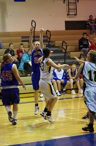 20120124_Girls_Basketball_B_DawsonBoyd_Noiseware4Full_056