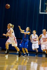 20120130_Girls_Basketball_B_Luverne_020_Noiseware4Full