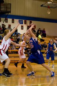20120130_Girls_Basketball_B_Luverne_093_Noiseware4Full